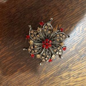 Jewelry - 💍📿VINTAGE BROOCH